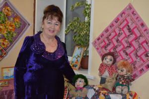 Ундалова с куклами